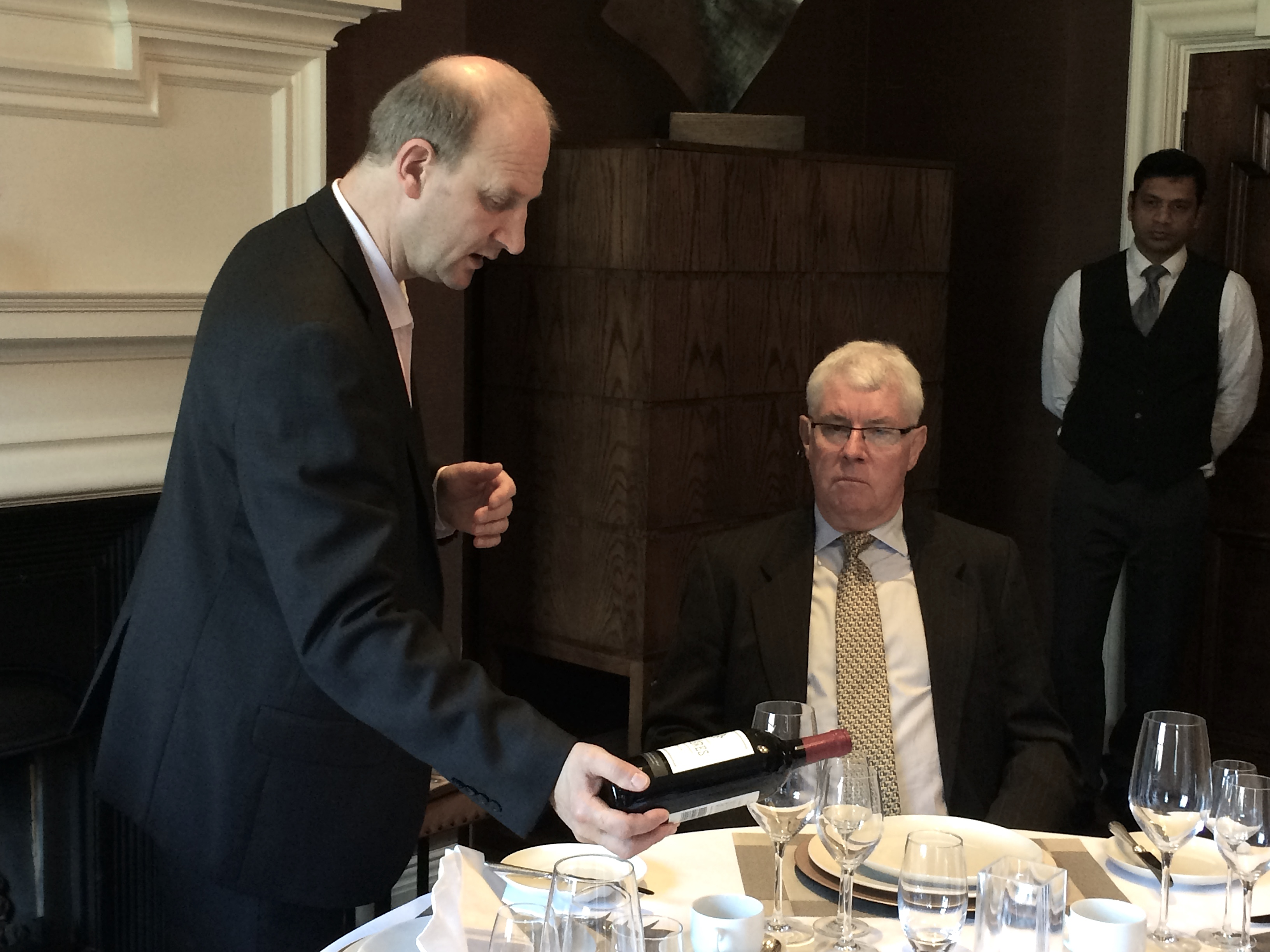 The rules of silver service etiquette for Fine dining service rules