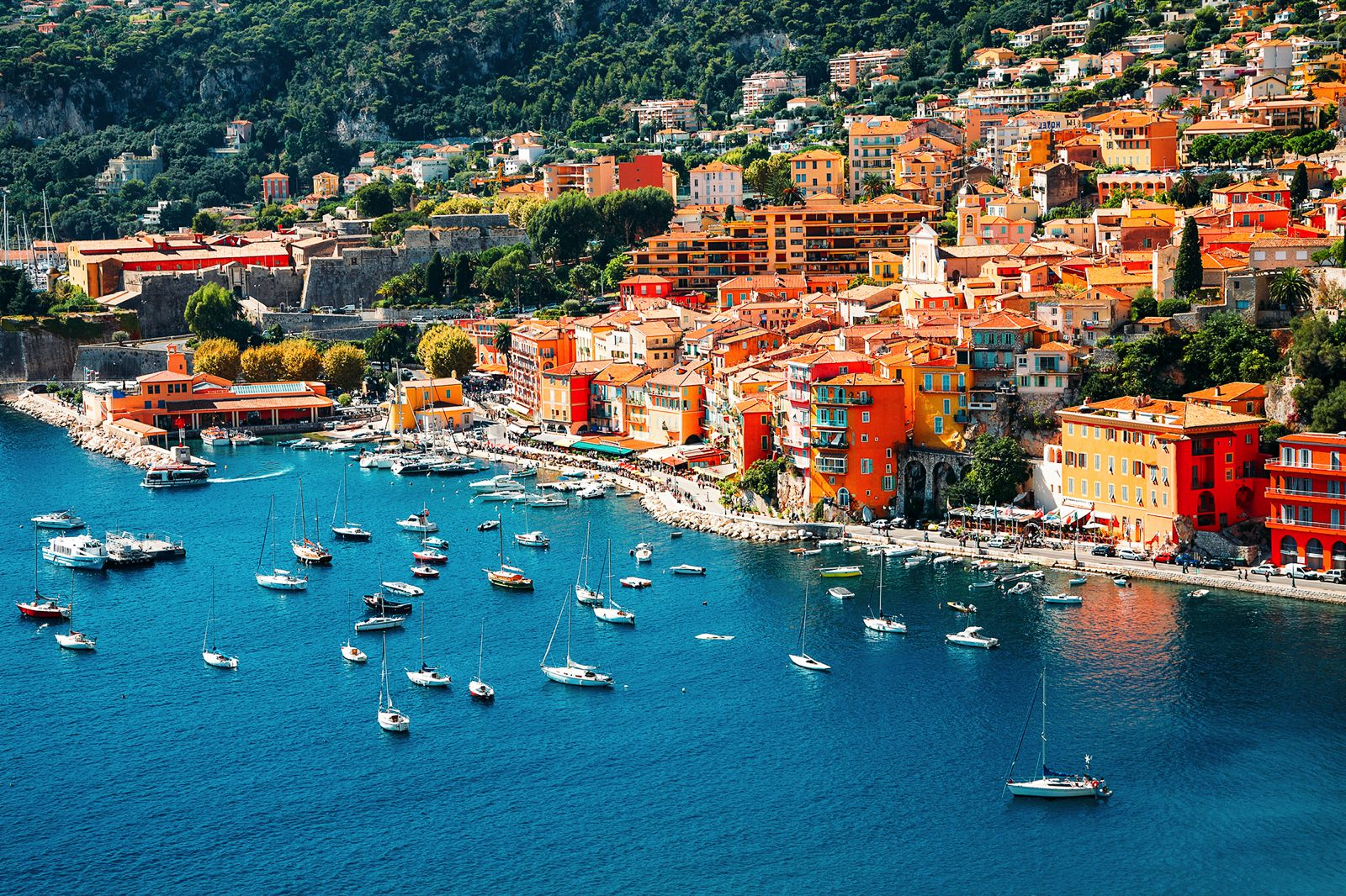 2 Full Time Travelling Housekeepers Sought for the South of France