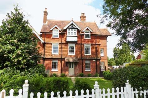 Live in Housekeeper with Care Duties sought for Family in Cranleigh, Surrey